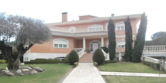 Representativo chalet independiente en Villaviciosa de Odón (Madrid)